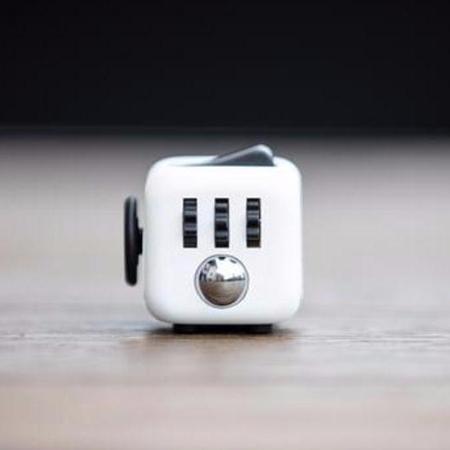 Антистресс кубик белый fidget cube вспышки для телефонов fidget go светодиодная вспышка для смартфона