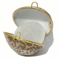 Кристалл  свежести в натуральной  тигровой раковине (Tawas Crystal)