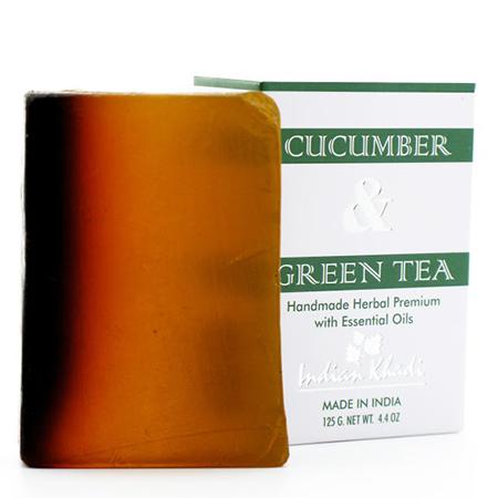 Натуральное мыло-скраб с огурцом, настоем и листьями зеленого чая indian khadi (Indian Khadi)